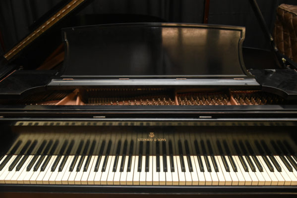 Buying a Steinway Piano online from eBay